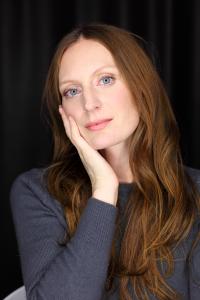 maria-weiss-mezzo-soprano-portrait